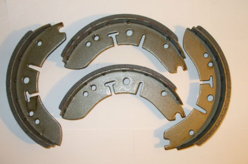 FRONT BRAKE SHOES SET (Morris Minor) (1962- 71)