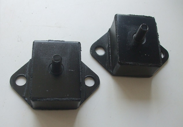 GEARBOX MOUNTS x2  (MG Magnette) (Mk3, Mk4) (1959- 68)