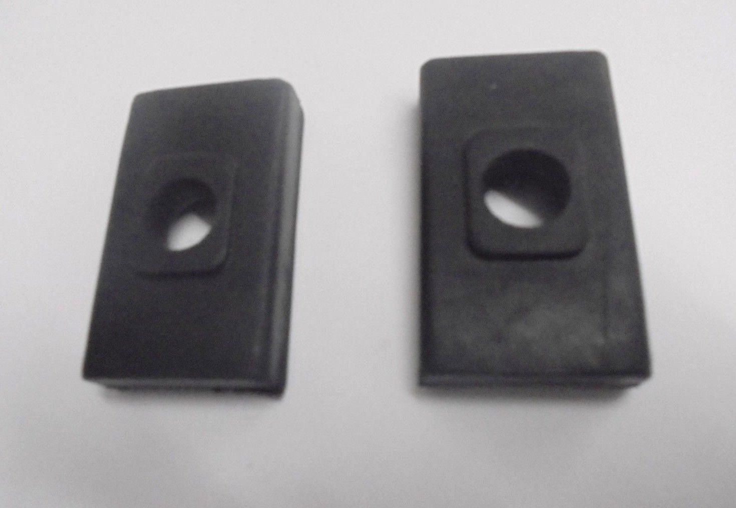 GEARBOX MOUNTS SIDE BUFFERS x2 (MG Magnette) (Mk3 & Mk4) (1959- 68)