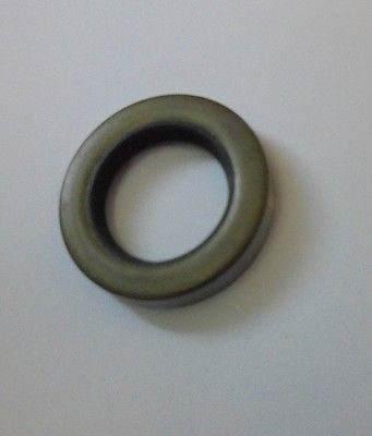 FRONT FLUID FLYWHEEL OIL SEAL x1 (Daimler Conquest & Century 2.5) (1953- 58)