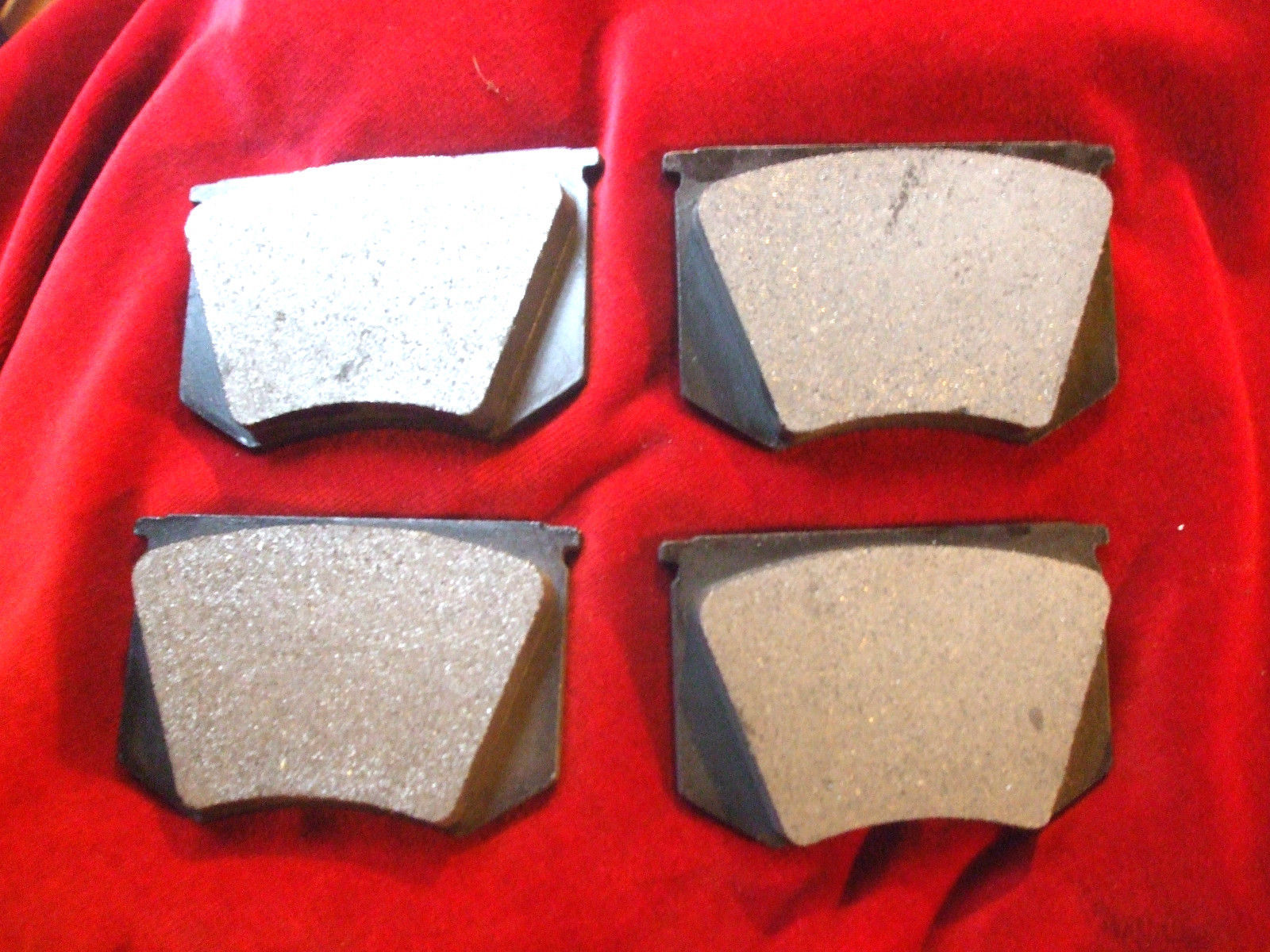FRONT BRAKE PADS SET (Triumph TR3, TR4) (** 1956- Jan 62 Only **)