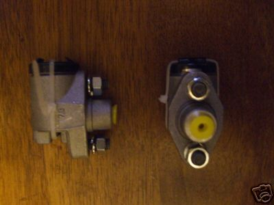 FRONT BRAKE WHEEL CYLINDERS x2 (Morris Oxford MO) (1949- 54)