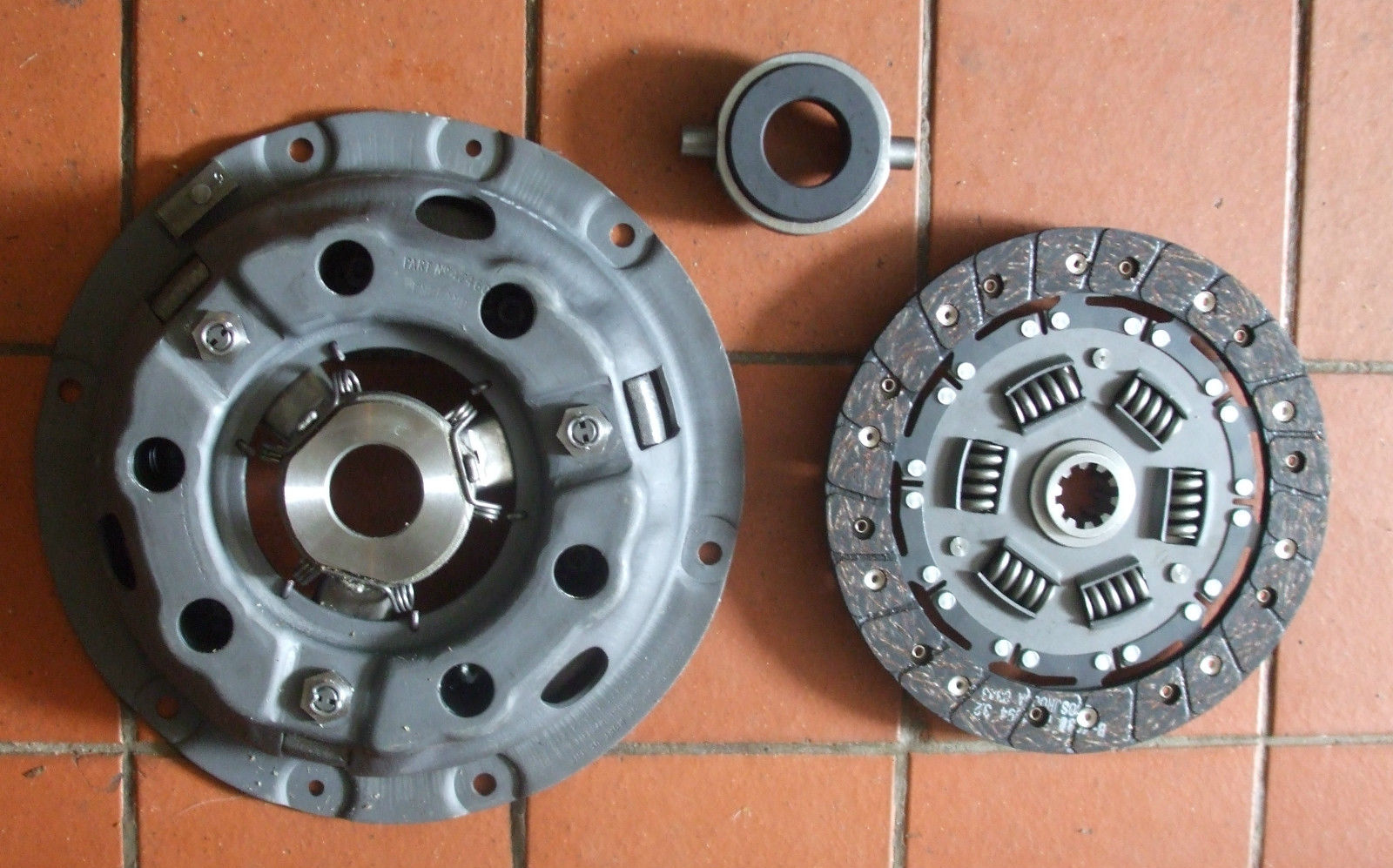 CLUTCH KIT (Morris J4 Van) (1600cc Petrol) (** See Eng No/ **) (1960- 61 Only)