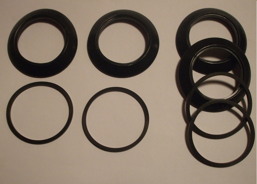 FRONT BRAKE CALIPER REPAIR SEALS KITS x2 (Daimler DS420 Limo) (1968- Feb 78 Only)