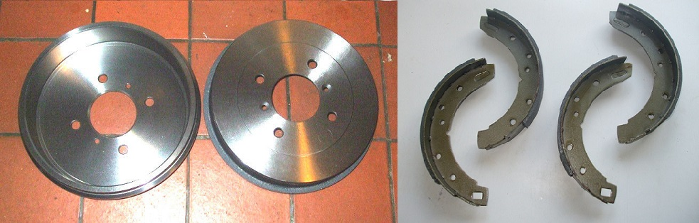 REAR BRAKE DRUMS & SHOES x2 (Triumph TR3 TR4)  (** See Chassis Numbers **)