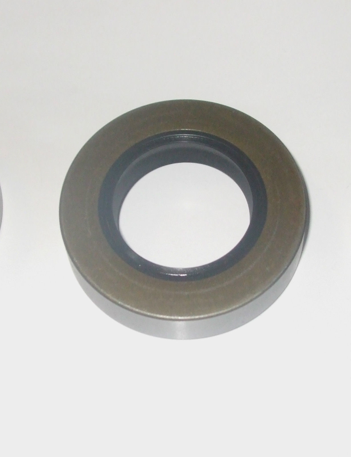 front diff axle pinion oil seal x1 tvr 1600m 2500m 3000m parts 1972 77 on. Black Bedroom Furniture Sets. Home Design Ideas