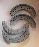 HANDBRAKE SHOES (Alfa Romeo 2600) (Saloon, Sprint & Spyder) (**With Rear Discs **) (** From Aug 63- 68 **)
