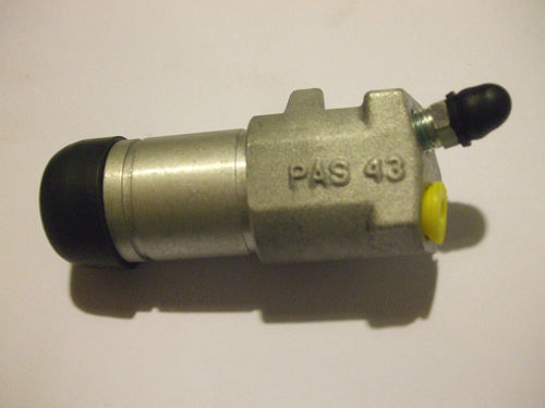 clutch slave cylinder ford anglia     spares parts